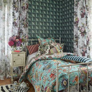 stof parvenue rosee by christian lacroix. Black Bedroom Furniture Sets. Home Design Ideas