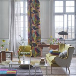 Gardin og møbelstof Shikhara Berry by DesignersGuild