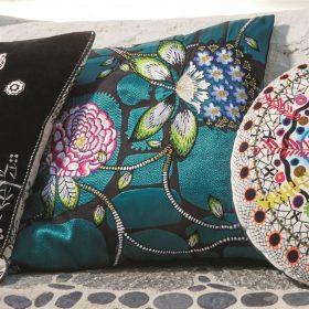Designerpude Les Rosales Bleu Paon by Christian Lacroix
