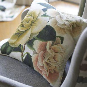 Designerpude Camellia Folly Parchment by John Derian