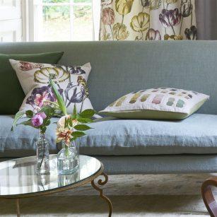 Designerpude Variegated Tulip Buttermilk by John Derian