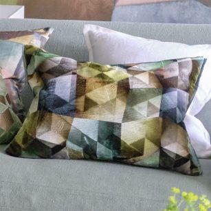 Designerpude Maurier Emerald by DesignersGuild