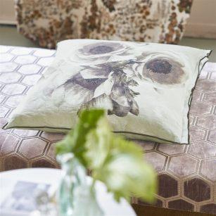 Designerpude Sepia Flower Birch by DesignersGuild