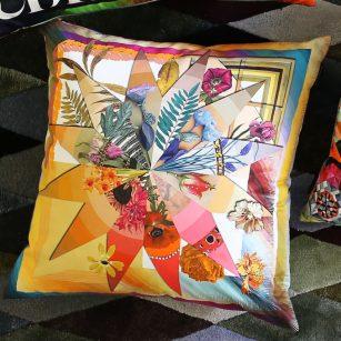 Designerpude Botanic Rainbow Multicolore by Christian Lacriox