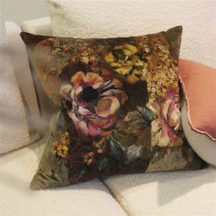 Designerpude Minakari Rosewood Velvet by DesignersGuild