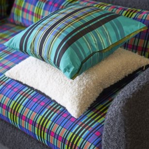 Designer pude Chennai Azure silk by Designers Guild